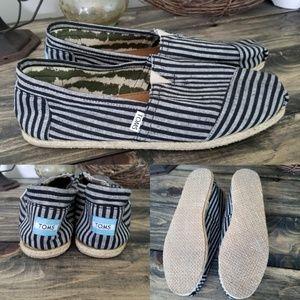 Toms Mens Sz 12 Navy Blue White Stripes